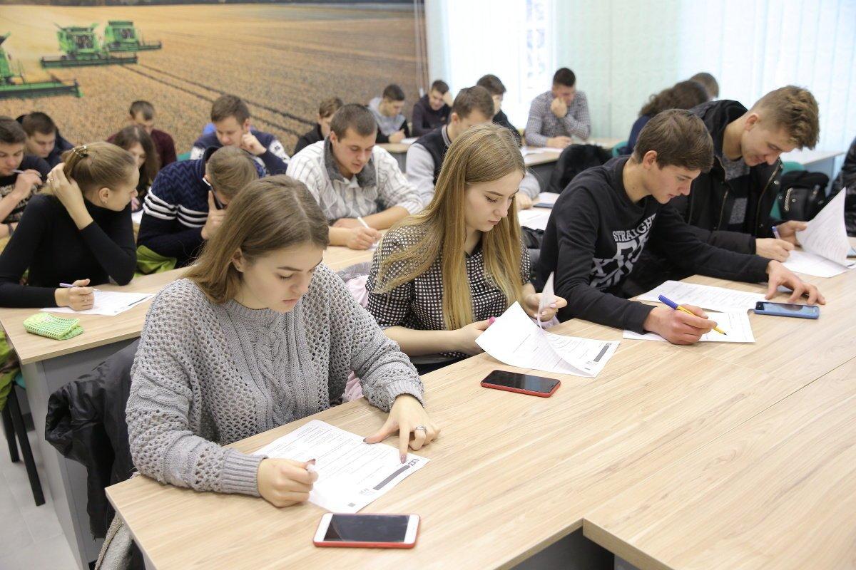 Студенты Мелитополя соревнуются за поездку на престижный форум в Париж, фото-1