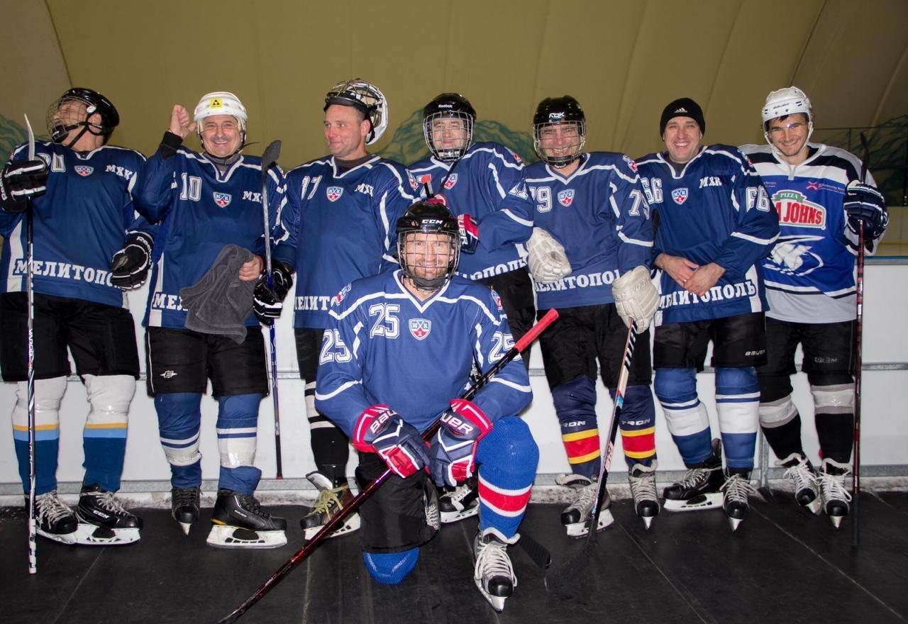 Мелитопольские хоккеисты сражаются за медали первенства области , фото-1