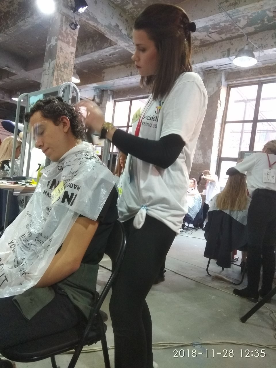 Парикмахер из Мелитополя показала свое мастерство на Всеукраинском конкурсе , фото-1