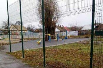 В Мелитополе вандалы продолжают портить имущество города, фото-1