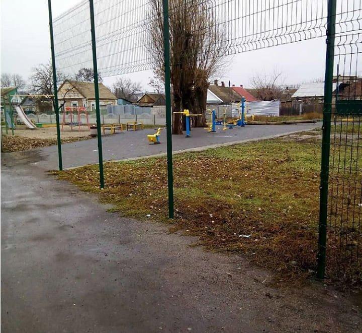 В Мелитополе вандалы продолжают портить имущество города, фото-2