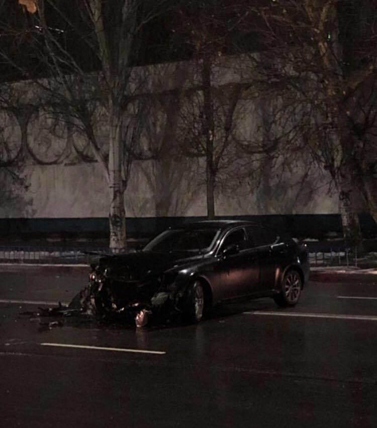 Вечером в Мелитополе столкнулись два автомобиля, фото-1