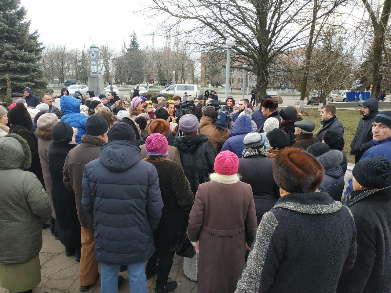 Вилкул заявил о провокации: люди в масках пытались сорвать его встречу с избирателями в Мангуше, фото-2