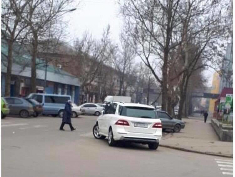 Мелитопольские водители продолжают нарушать ПДД, фото-2