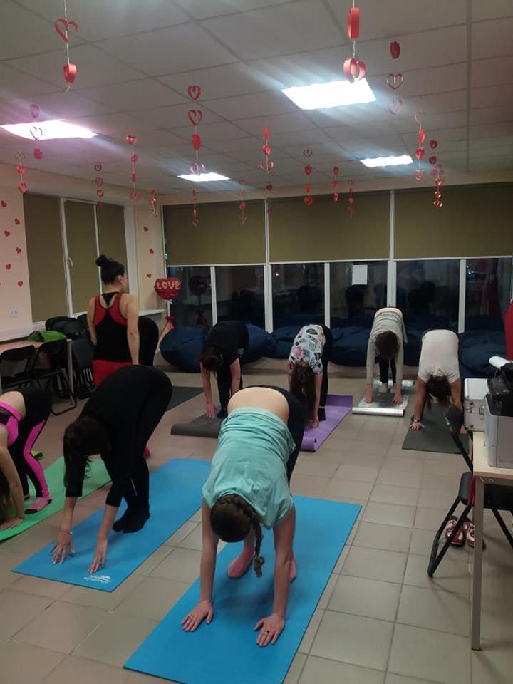Для мелитопольской молодежи провели занятие по йоге , фото-3