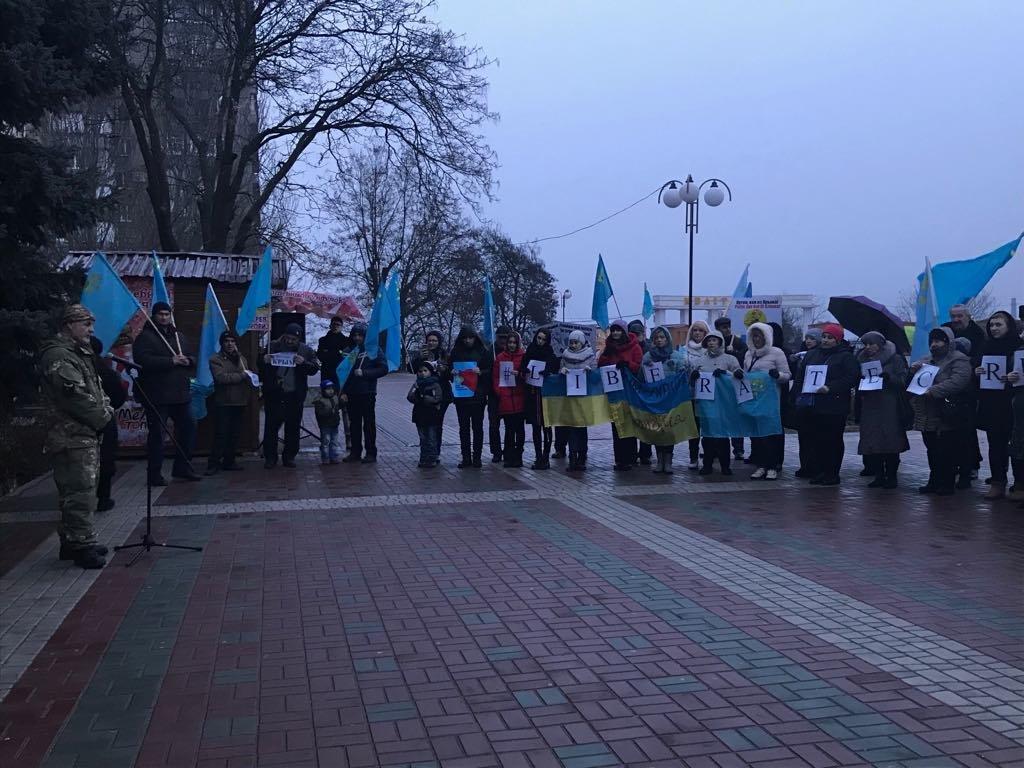 Мелитопольцы провели акцию против оккупации Крыма, фото-6