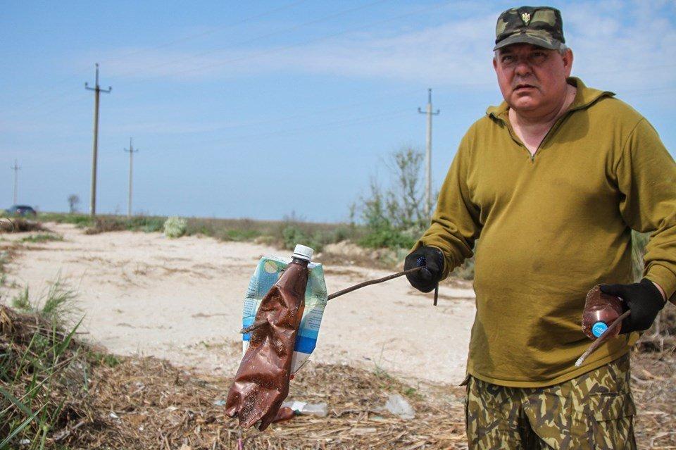 """С побережья Азовского моря убрали тонны мусора , фото-5, Фото со страницы общественной организации """"Эко-корпус"""""""