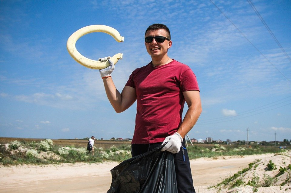 """С побережья Азовского моря убрали тонны мусора , фото-10, Фото со страницы общественной организации """"Эко-корпус"""""""