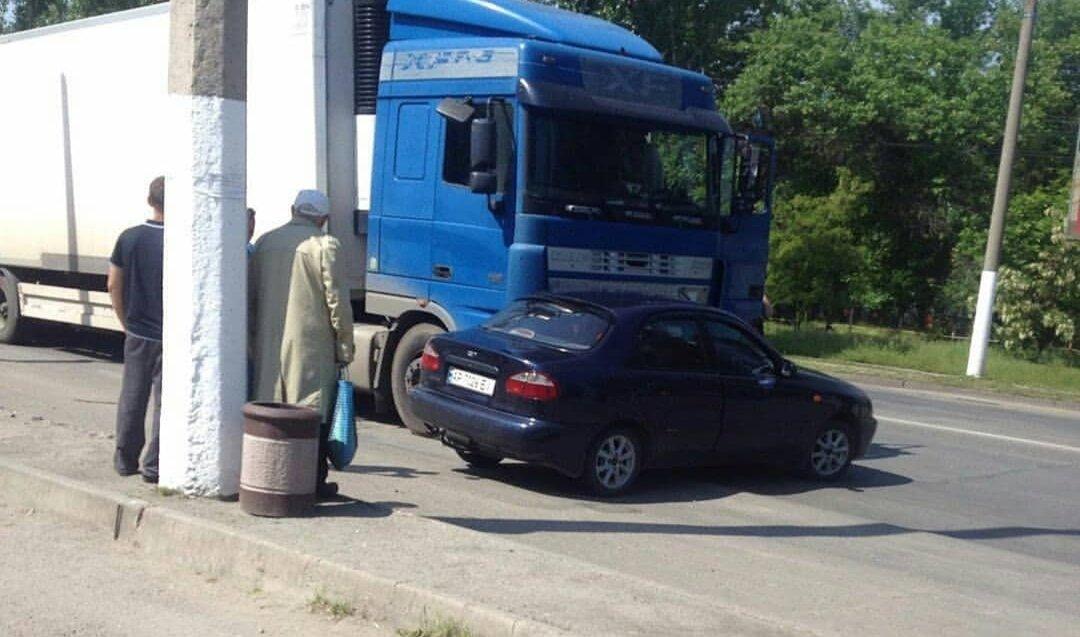 """В Мелитополе фура врезалась в """"Daewoo"""", фото-1"""