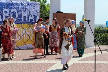 В Мелитополе прошел митинг ко Дню скорби и памяти жертв депортации крымскотатарского народа, фото-3, Фото сайта Мелитопольского городского совета