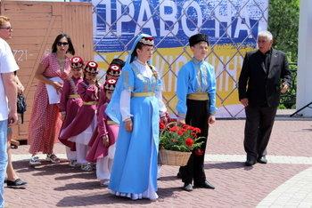 В Мелитополе прошел митинг ко Дню скорби и памяти жертв депортации крымскотатарского народа, фото-1, Фото сайта Мелитопольского городского совета