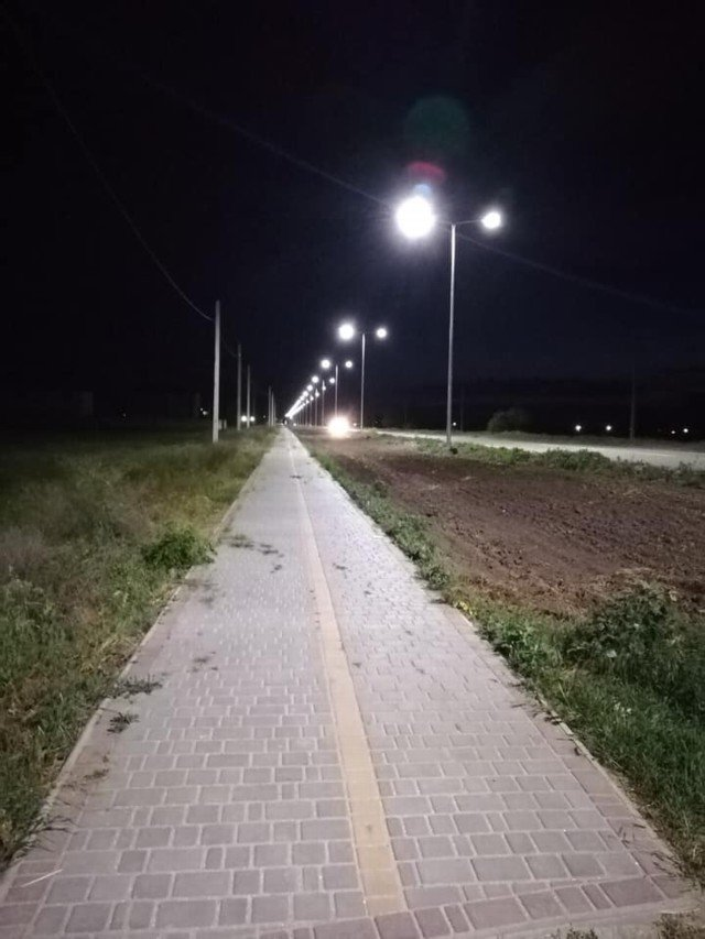 В центре Кирилловки появилось современное уличное освещение , фото-2