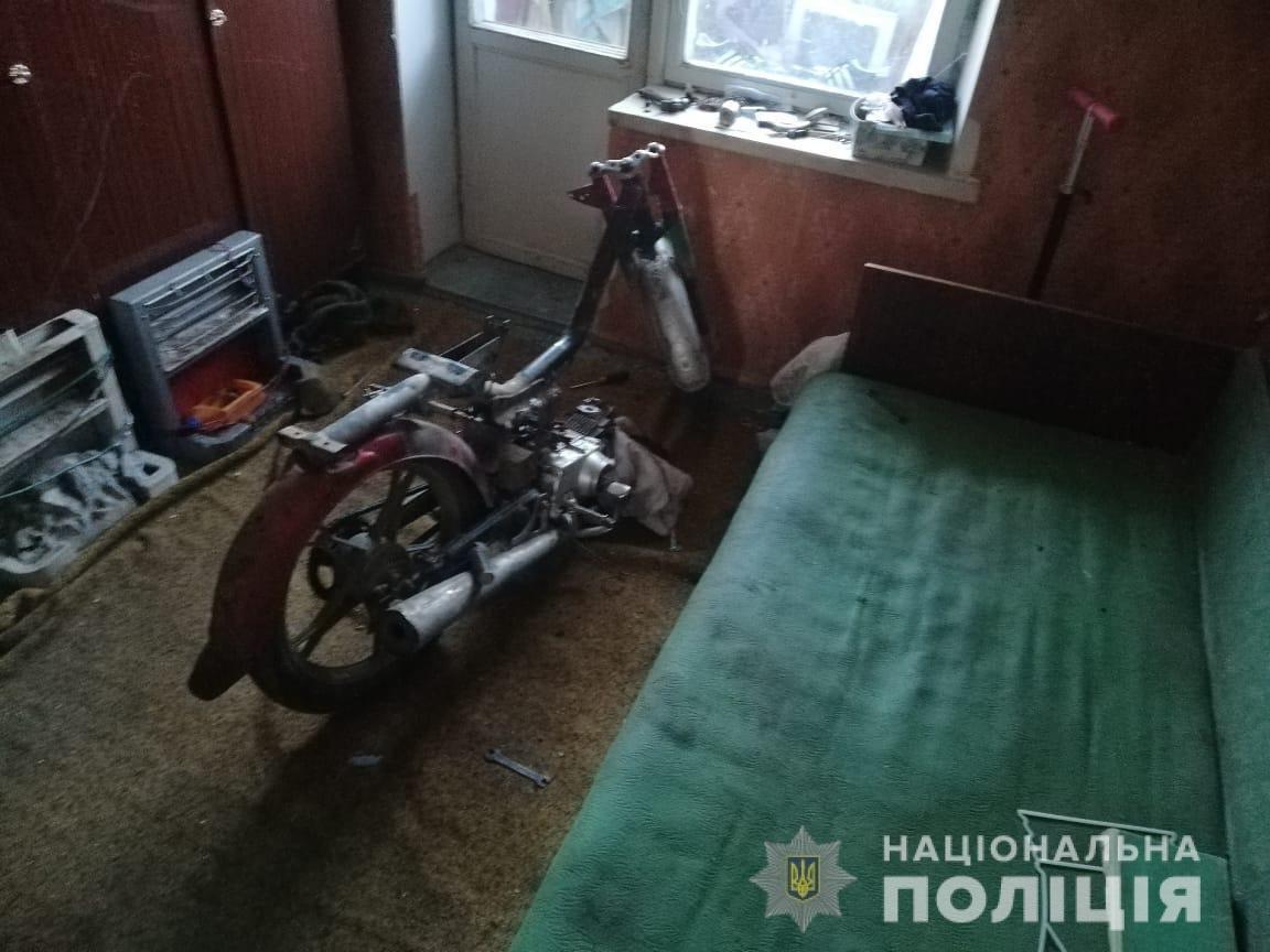 В Приазовском вор украл мотоцикл и разобрал его на запчасти, фото-1