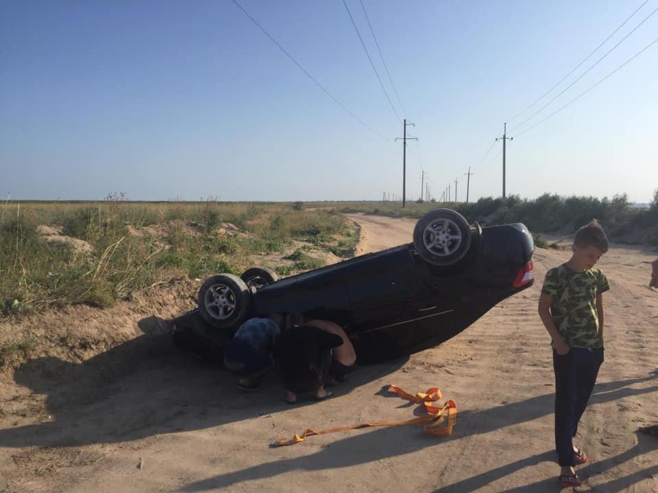 В Кирилловке перевернулся автомобиль, - ФОТО, фото-2