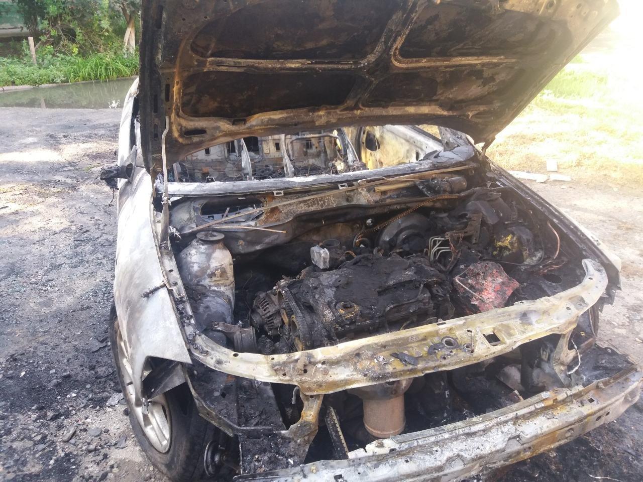 В Акимовке ночью сгорел автомобиль , фото-2