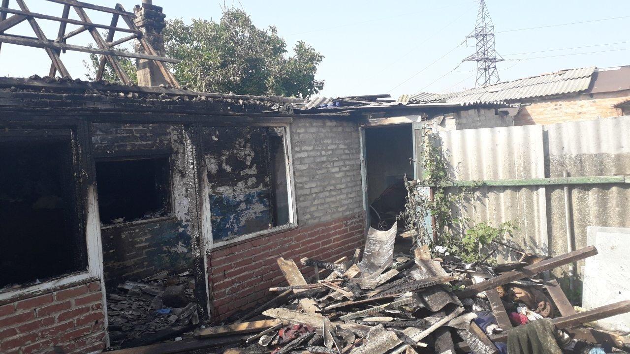 В Мелитополе пожарные спасли из огня парня, фото-2, ГУ ГСЧС в Запорожской области