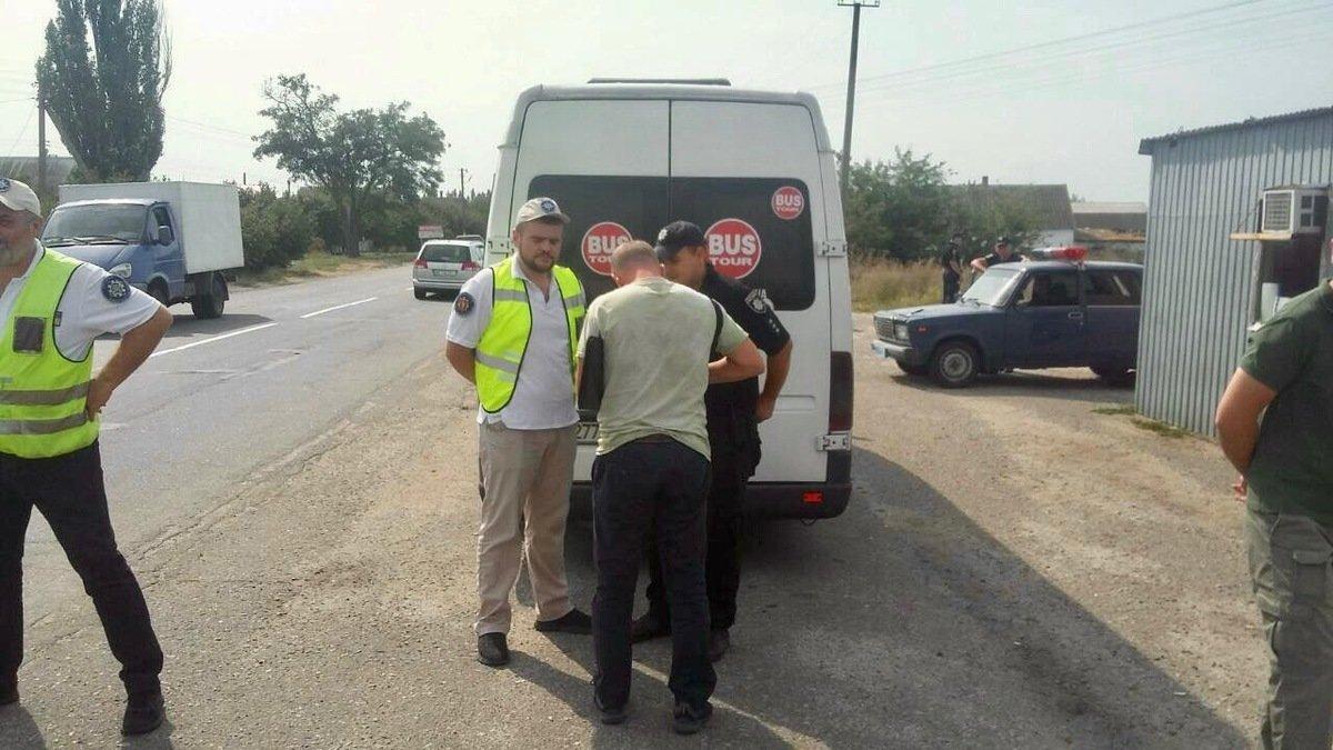 Отдыхающих в Кирилловку возят нелегальные перевозчики , фото-3