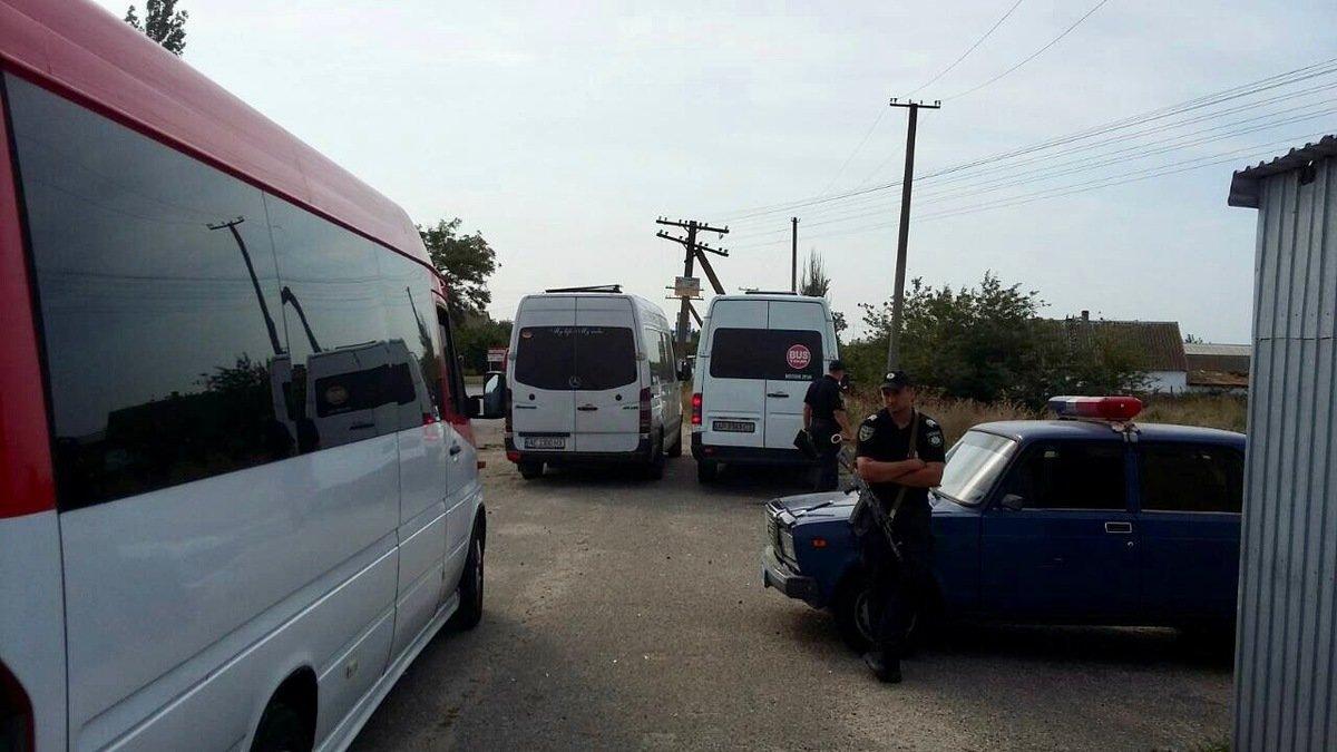 Отдыхающих в Кирилловку возят нелегальные перевозчики , фото-6