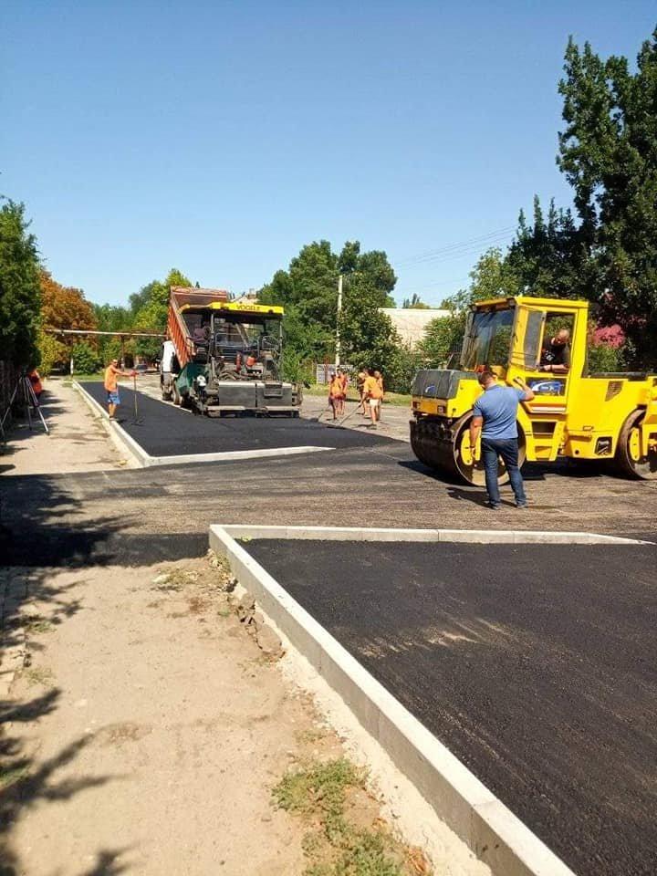 """В Мелитополе ремонтируют дорогу в частном секторе, фото-2, Фото из группы """"Новости Мелитополя"""" в Фейсбук"""