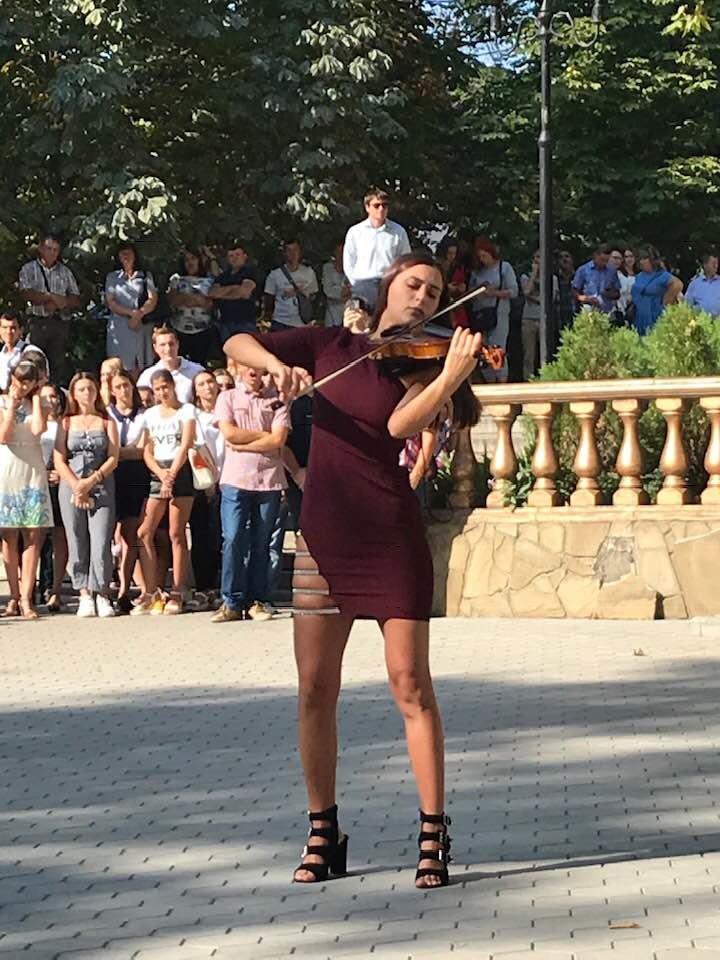 Мелитопольские студенты отметили День знаний , фото-2, Фото Елены Арабаджи