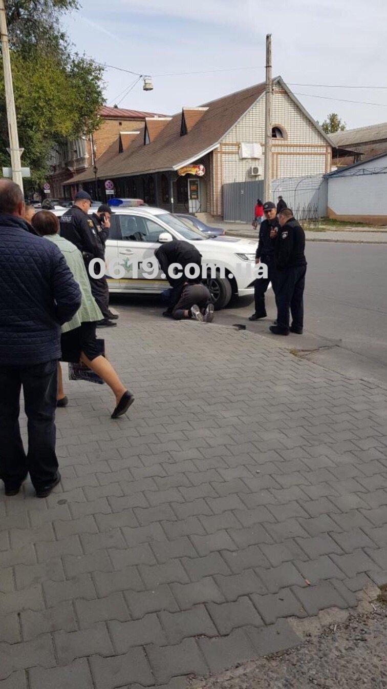 В Мелитополе мужчина с ножом устроил драку, - ВИДЕО, фото-1