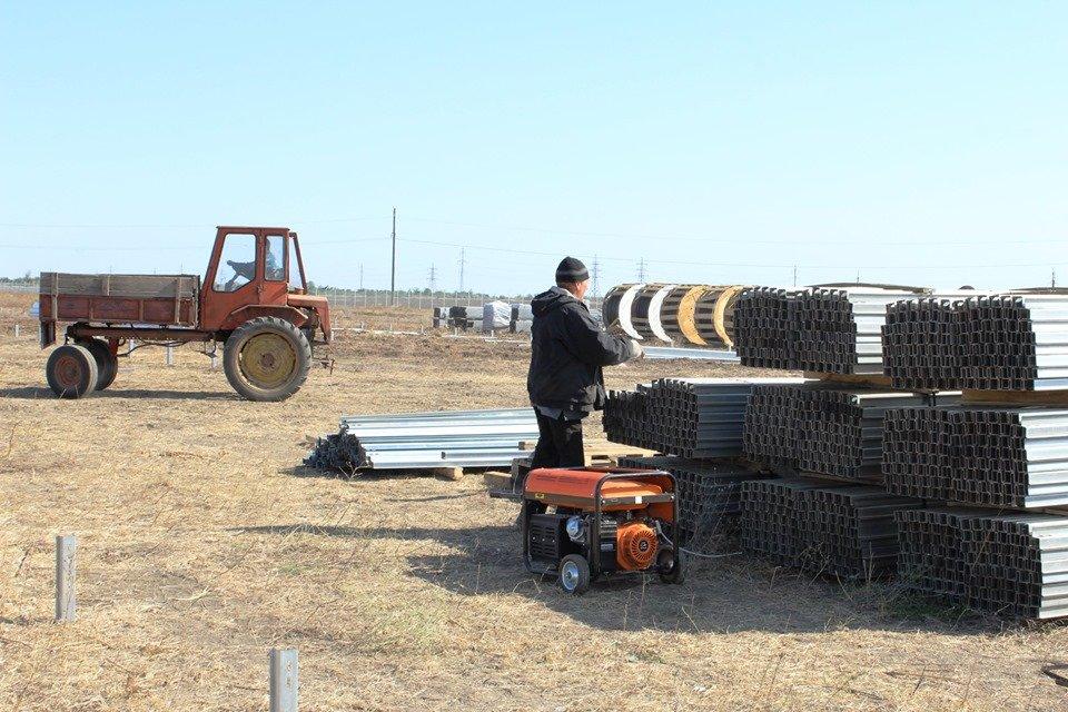 В Акимовке строят солнечную электростанцию, - ФОТО, фото-2