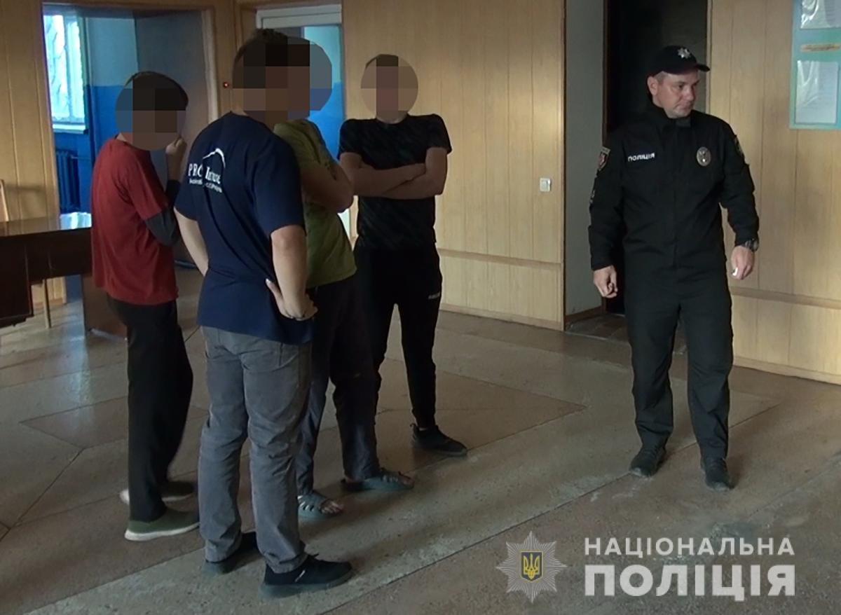 Стало известно, как мелитополец наказывал воспитанников интерната за невыполнение приказов, фото-4