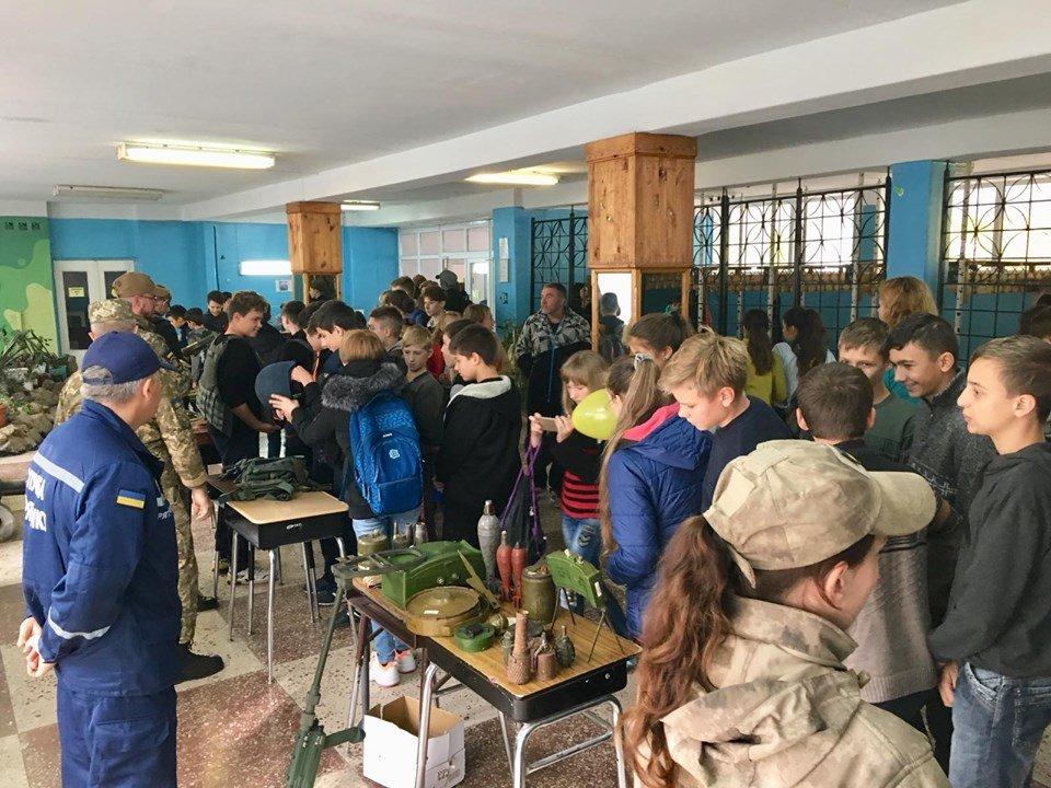 Для мелитопольских школьников провели урок патриотизма , фото-1