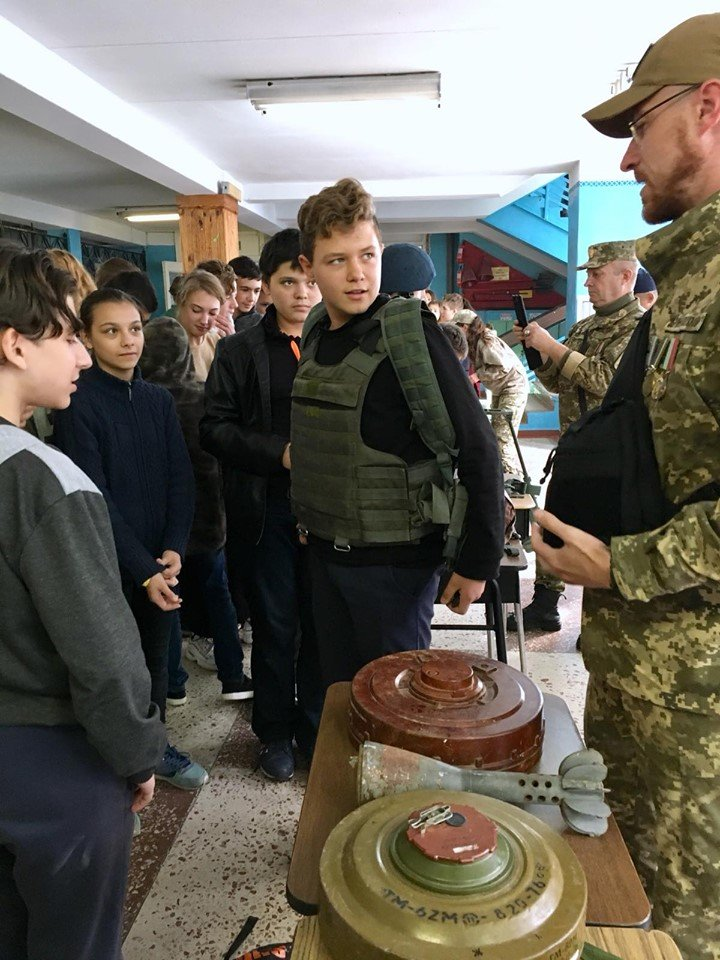 Для мелитопольских школьников провели урок патриотизма , фото-3