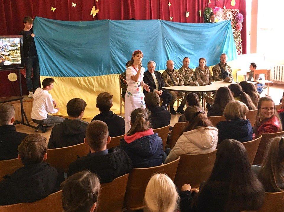 Для мелитопольских школьников провели урок патриотизма , фото-5