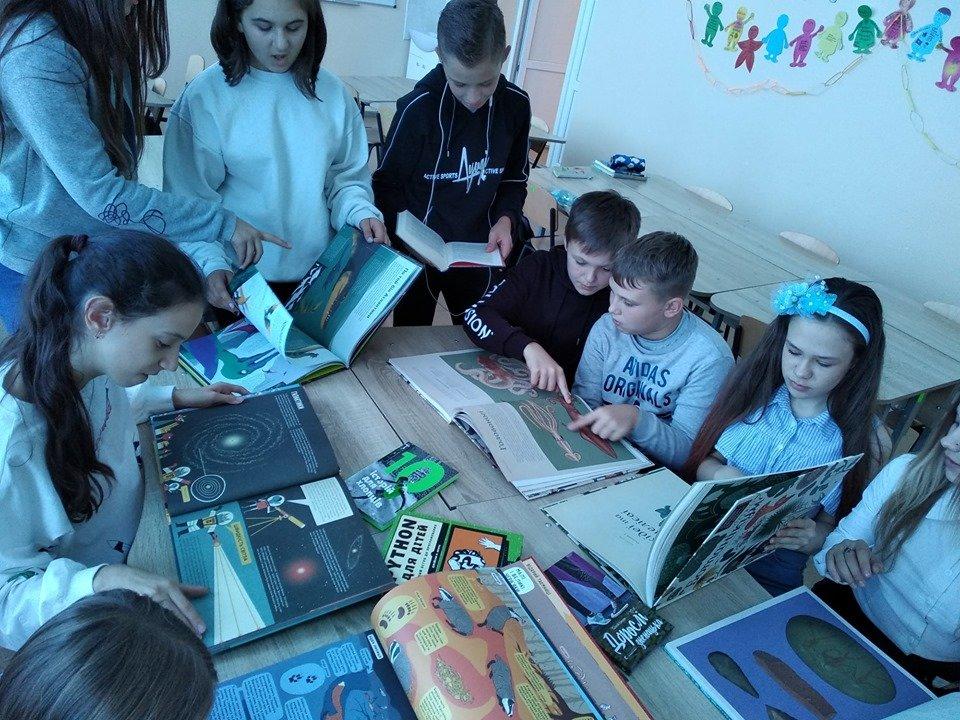 Мелитопольская учительница заработала для своей школы крутые подарки , фото-6