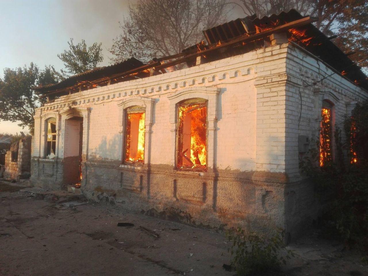В селе под Мелитополем загорелся жилой дом, - ФОТО , фото-2