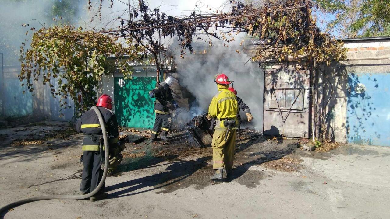 В Мелитополе мужчина пострадал, пытаясь потушить пожар в гараже, - ФОТО, фото-3