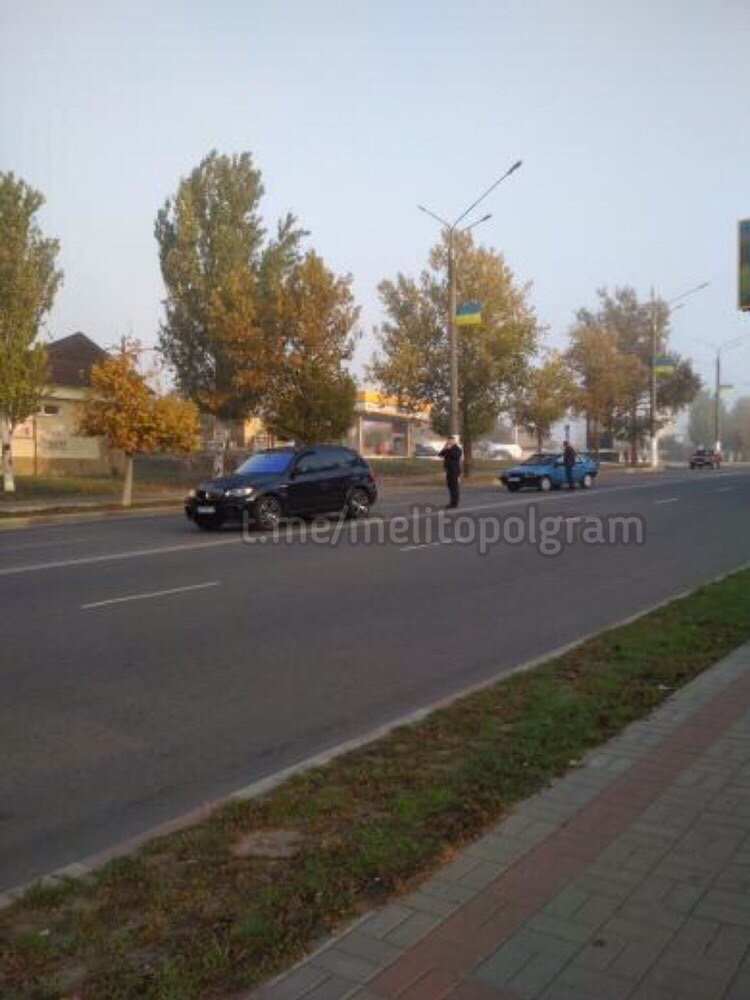 В Мелитополе столкнулись два автомобиля, фото-1