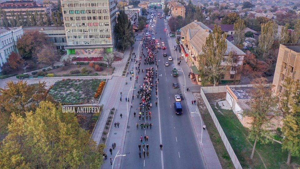 День освобождения Мелитополя завершился традиционным факельным шествием, фото-2, Фото Дмитрия Антифеева