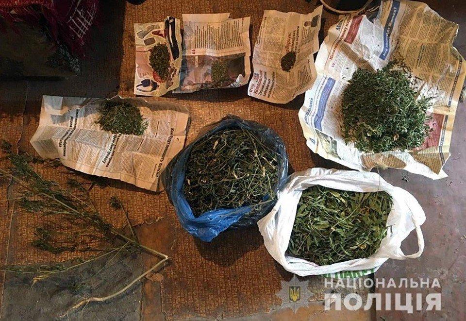Мелитопольские полицейские задержали двоих мужчин, хранивших дома наркотики, - ФОТО, фото-1
