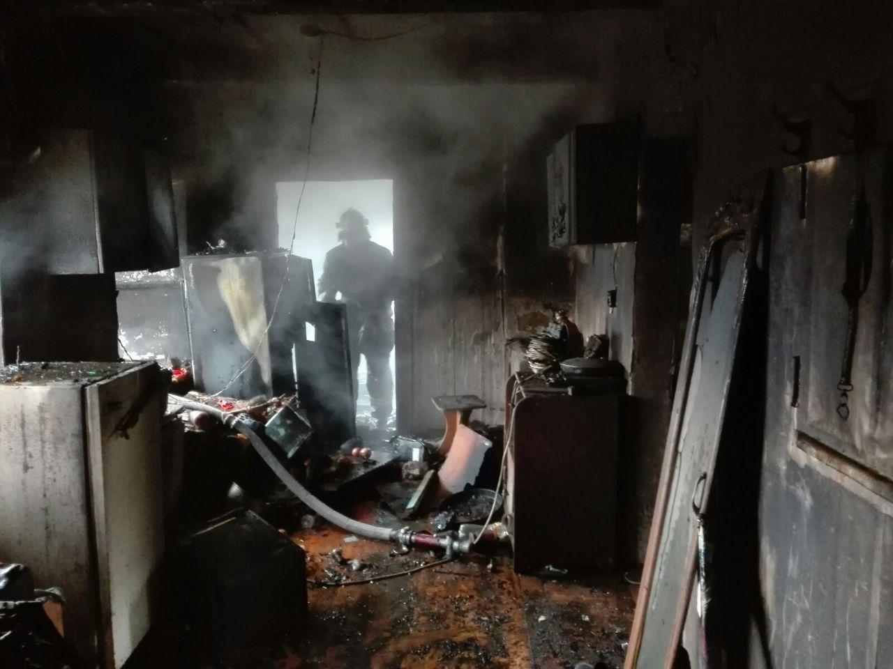 В Мелитопольском районе загорелся жилой дом, - ФОТО , фото-3