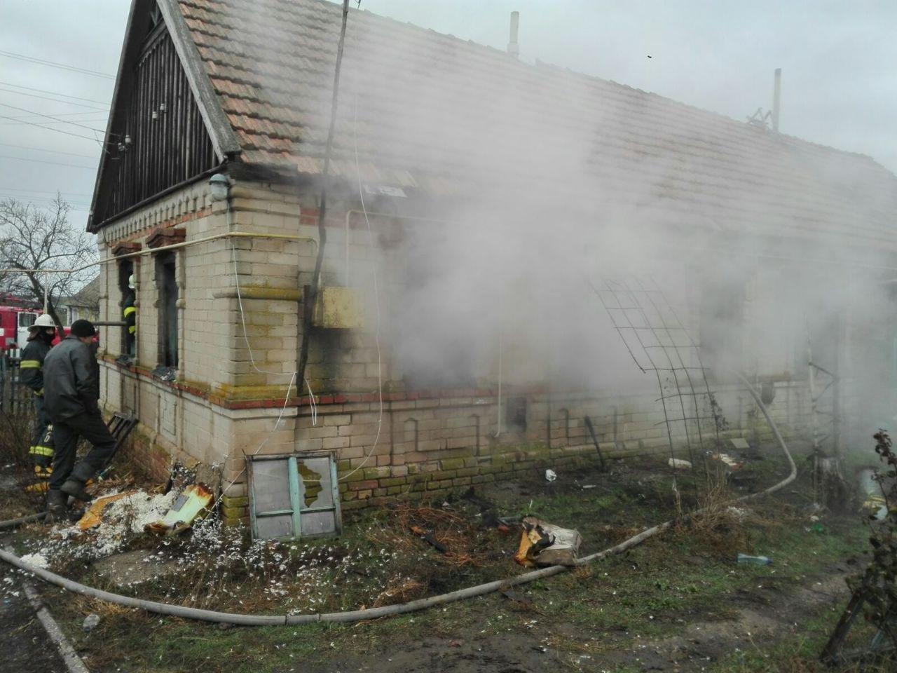 В Мелитопольском районе загорелся жилой дом, - ФОТО , фото-1