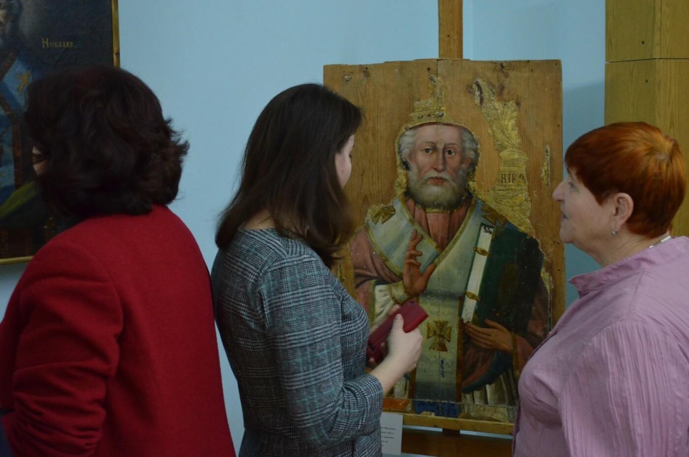 В мелитопольском музее открылась выставка икон Святого Николая, - ФОТО, фото-4