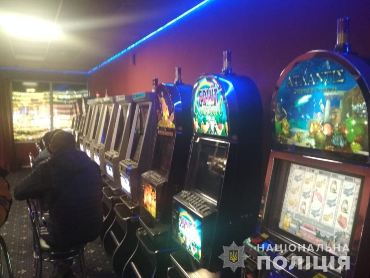 """В Мелитополе """"накрыли"""" нелегальные игровые залы, - ФОТО, ВИДЕО, фото-3"""