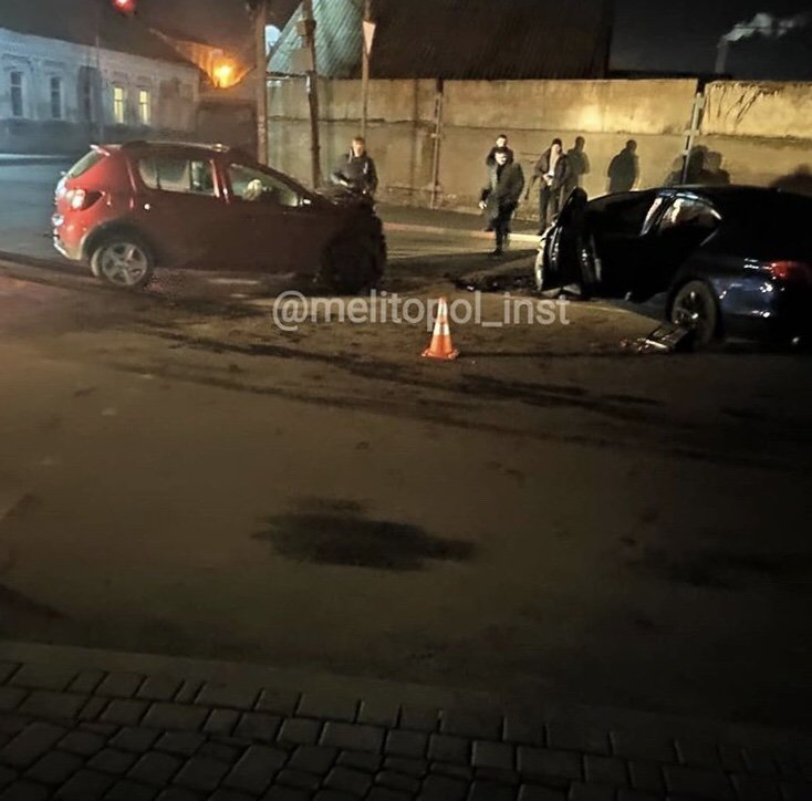 В Мелитополе столкнулись два автомобиля, - ФОТО, фото-3