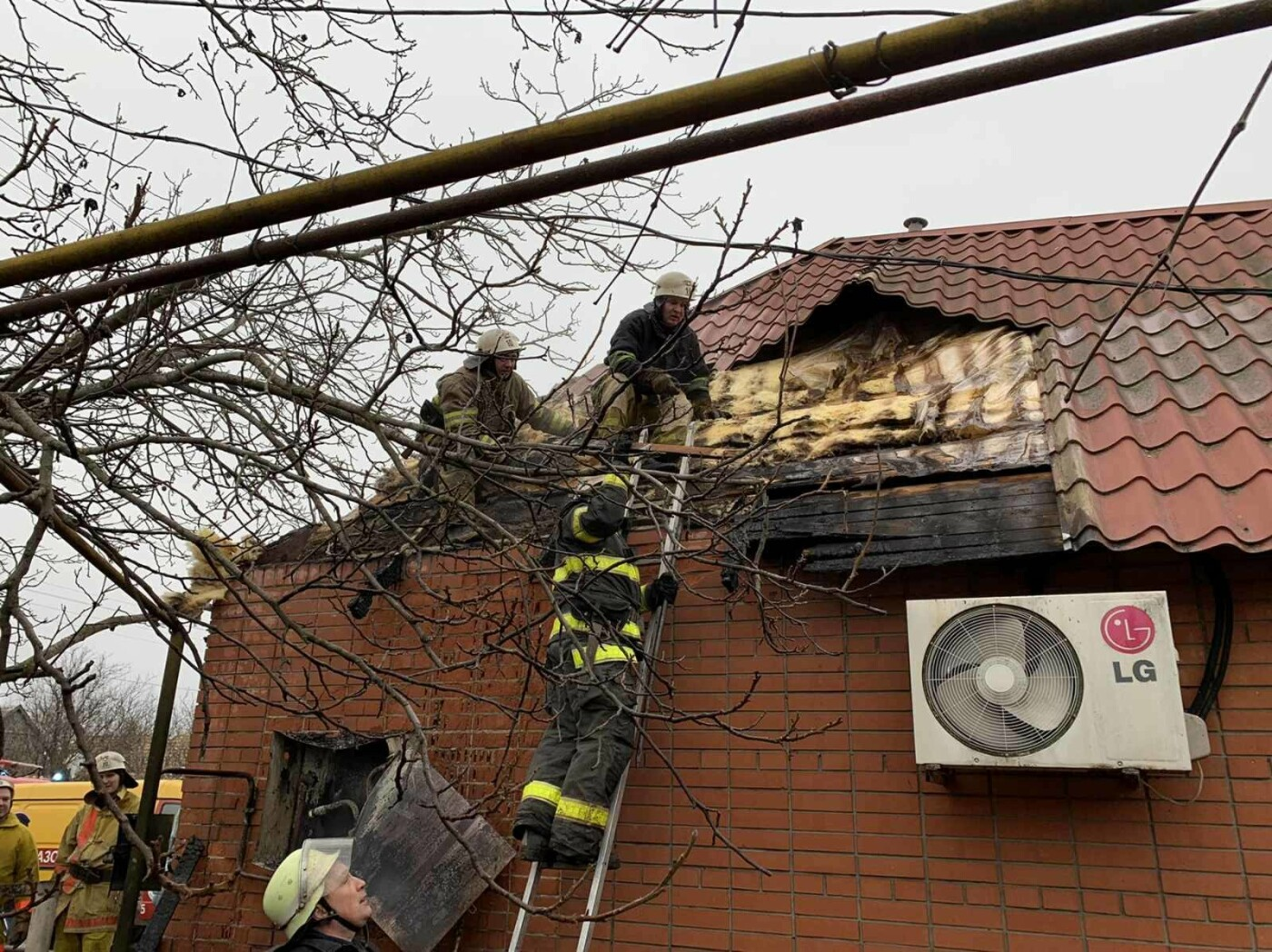 В Мелитополе при пожаре пострадал человек, - ФОТО, фото-1