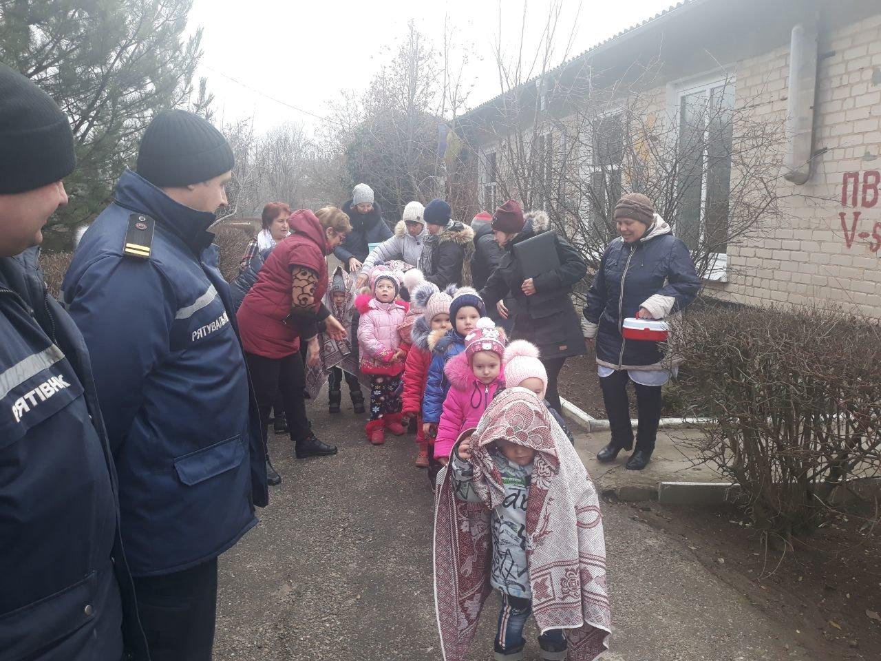 В детсаду Мелитопольского района работали спасатели, - ФОТО, фото-4