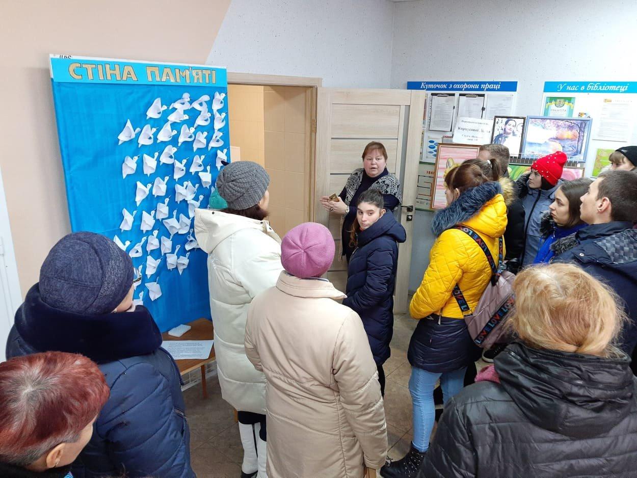 Мелітопольська бібліотека стає більш комфортною для людей з інвалідністю , фото-3