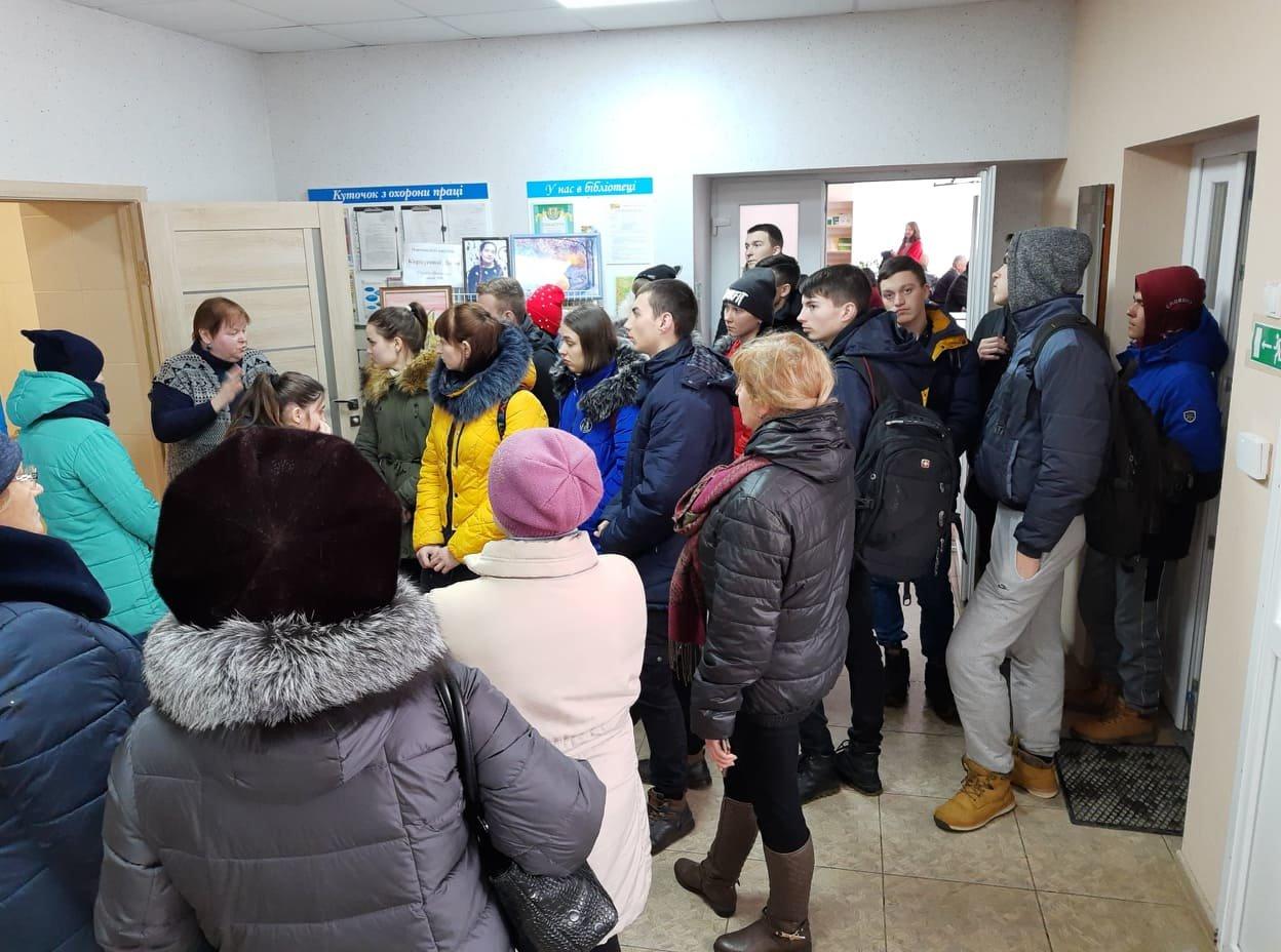 Мелітопольська бібліотека стає більш комфортною для людей з інвалідністю , фото-2