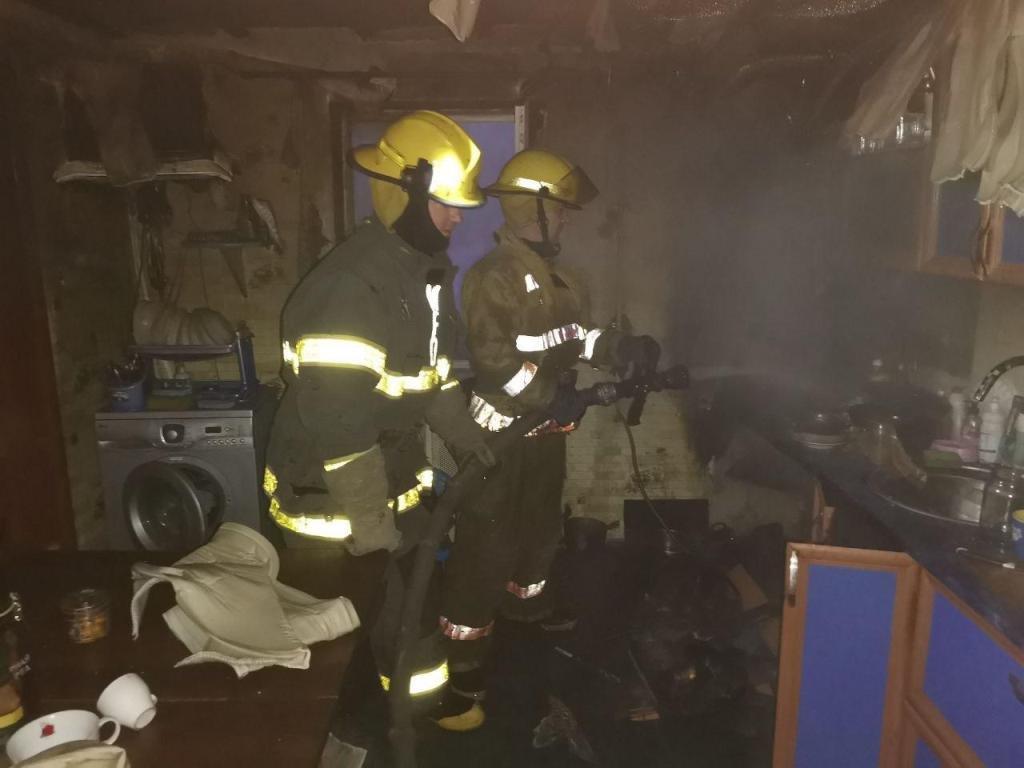 У Мелітополі пожежники гасили кухню, фото-1