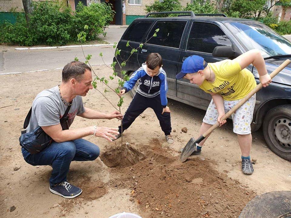 """Мелітопольці долучились до екологічної акції """"Ми пам'ятаємо"""", фото-2"""