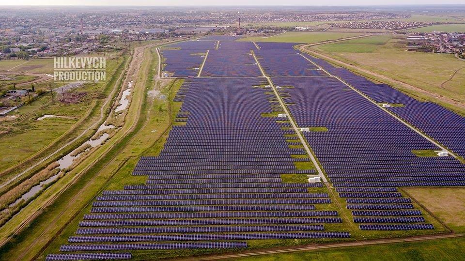 С высоты птичьего полета показали озеро Горячка и солнечную электростанцию под Мелитополем, фото-6