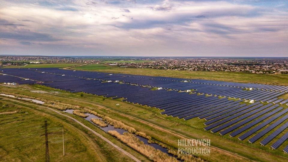 С высоты птичьего полета показали озеро Горячка и солнечную электростанцию под Мелитополем, фото-7