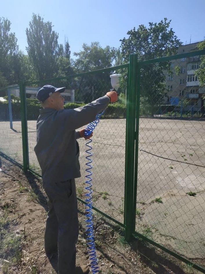 В Мелитополе обновляют спортивные площадки во дворах, фото-5, Фото А. Жорняк